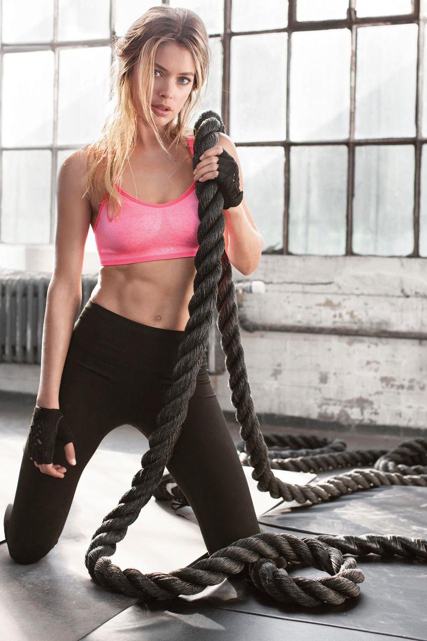 vs-sport-2014-doutzen-vsx-studio-bra-victorias-secret-hi-res