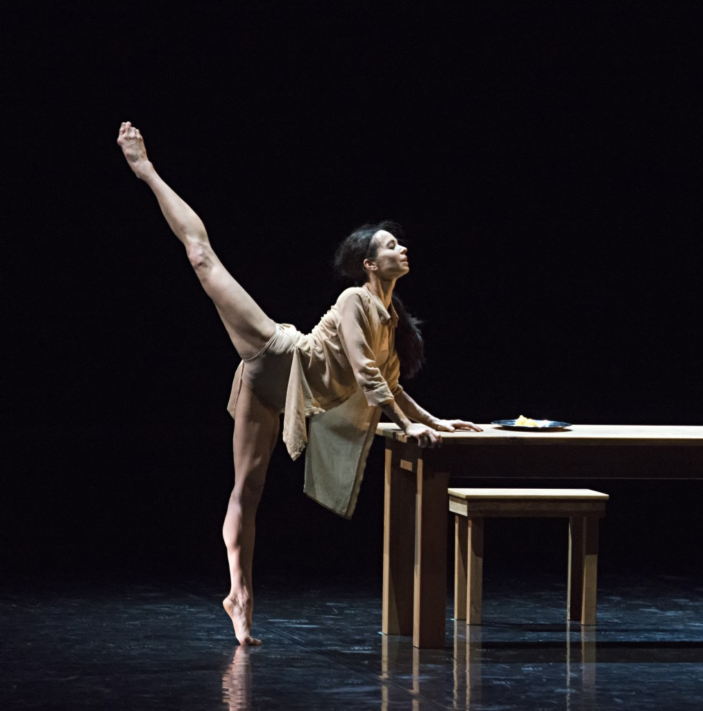 segerstrom-center-diana-vishneva-on-the-edge-diana-vishneva-in-woman-in-a-room-2-1013x1024